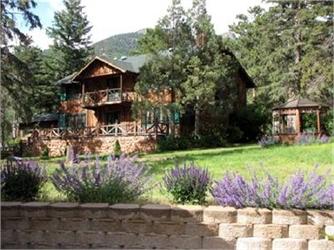 Rocky Mountain Lodge & Cabins
